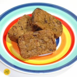 http://neessweets.com/36-373-thickbox/organic-chocolate-chip-blondies.jpg