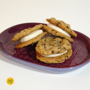 http://neessweets.com/5-354-thickbox/organic-chocolate-chip-sandwich-cookies.jpg